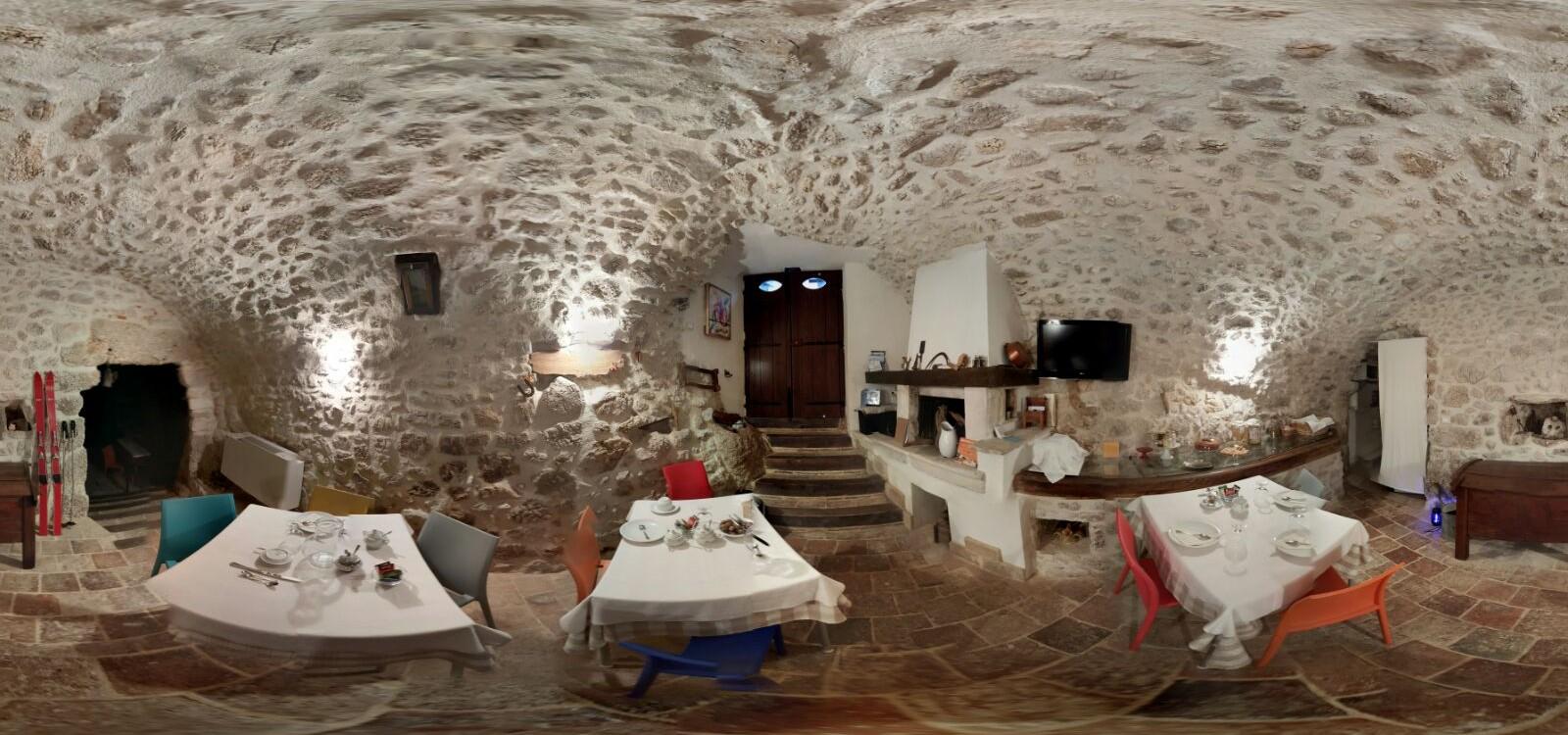 Le Pagliare del Gran Sasso – Taverna Photosphere